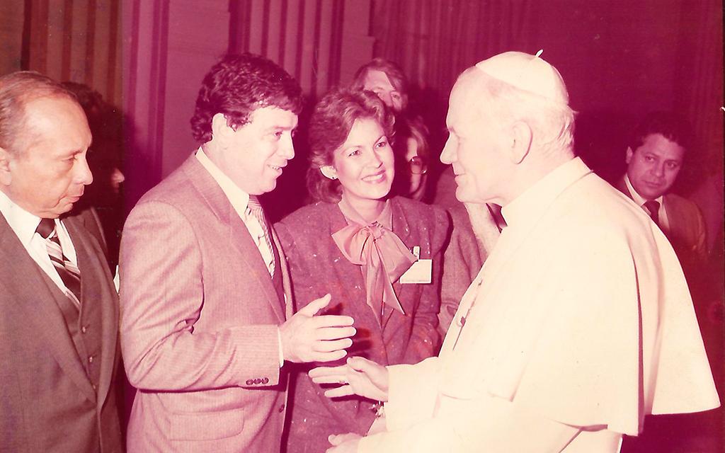 Audiencia privada con el Papa Juan Pablo Segundo 1983